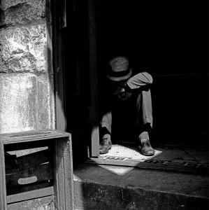 Vivian Maier, Maxwell St., Chicago (Man in Doorway), 1967