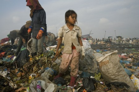 Nigel Gordon Dickinson, Eight year old Sitay, sole earner for her family, Smokey Mountain