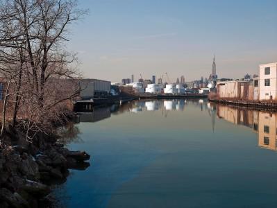 Roger Generazzo, Newtown Creek, from the series New York City Waterways
