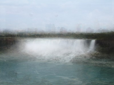Corinne Vionnet, Niagara, 2007 (from the series Photo Opportunities)